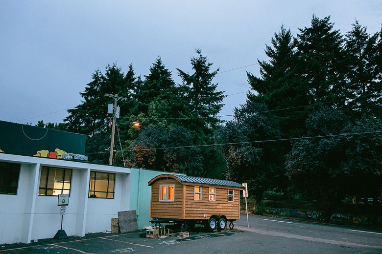 Small_is_Beautiful_Bens_Tiny_house_Portland