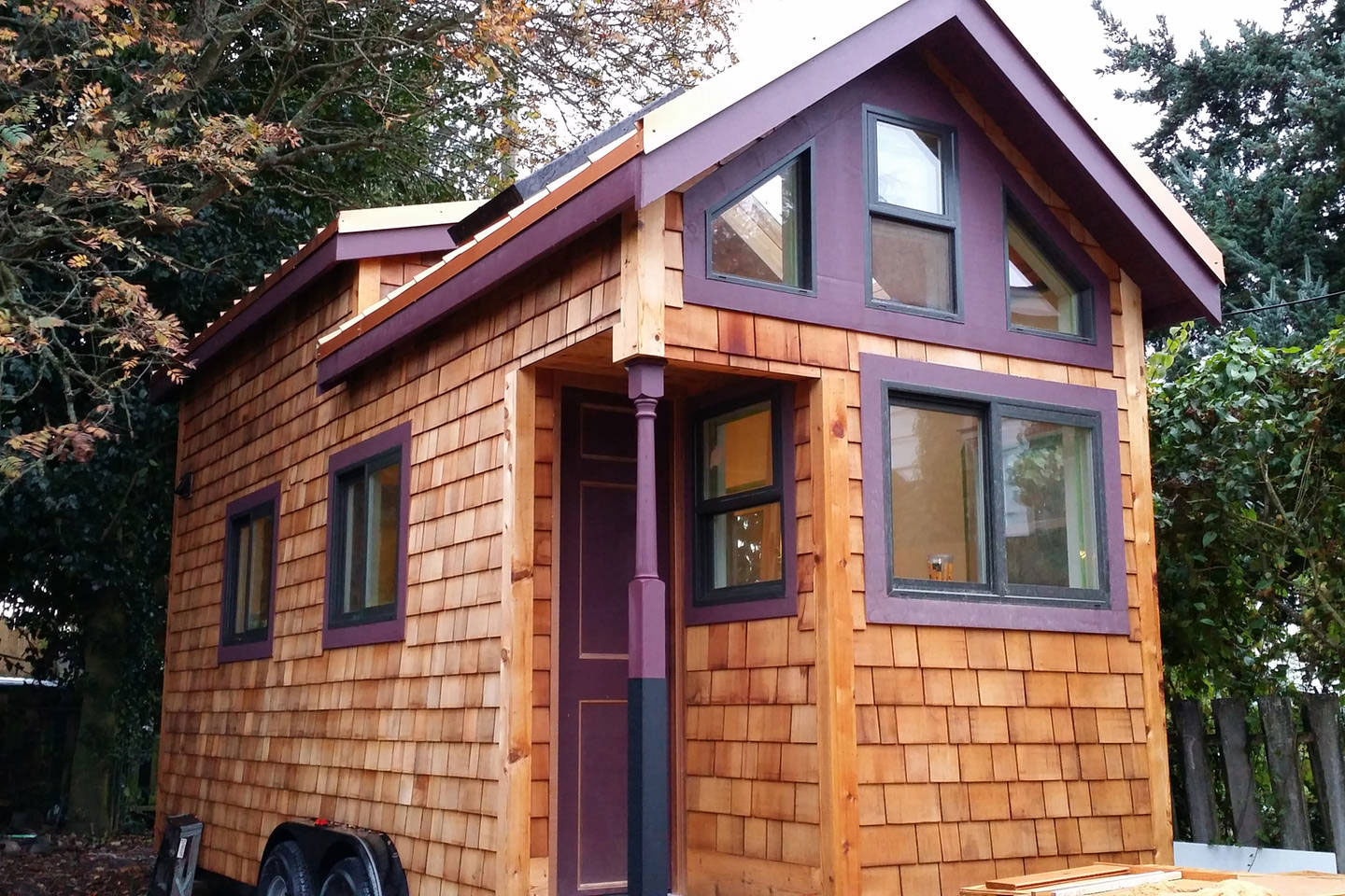 Stay in hannah 39 s tiny house in seattle small is beautiful for Building on to my house